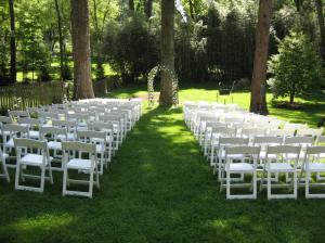 simple-backyard-wedding-ideas