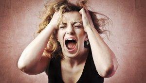 woman-tantrum
