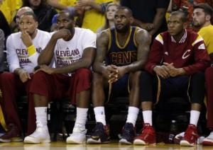 lebron-on-the-bench